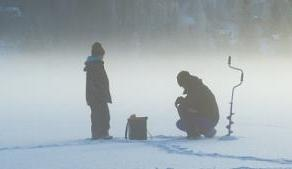 Для многих зимняя рыбалка – страсть, родом из детства