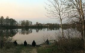 Ловля карася весной на озере
