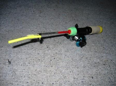 Удильник – прочный и упругий, чтобы обеспечить рыболова энергичной подсечкой