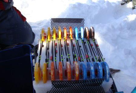 Длина удочек, и сами оснастки для зимней рыбалки отличаются от летних