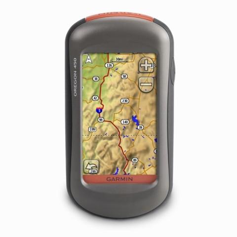 GPS-навигаторы компании Garmin сочетают в себе приемлемую функциональность с хорошей надежностью и отличной защищенностью от воздействия влаги и холода