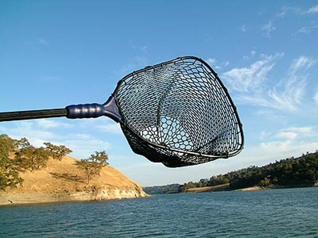 При ловле с обрыва лучше выбирать длину изделия не менее 4 метров