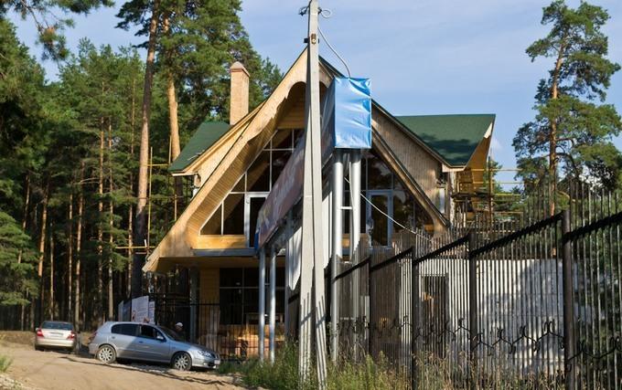 База отдыха Заволжье имеет все для комфортного проживания гостей и предоставляет большой спектр ценных услуг