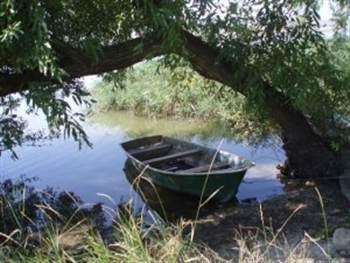 Ловля плотвы с лодки