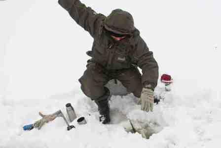 Ловля судака зимой